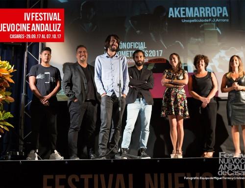 F.J.Arranz y Elena Martínez presentan su película Akemarropa