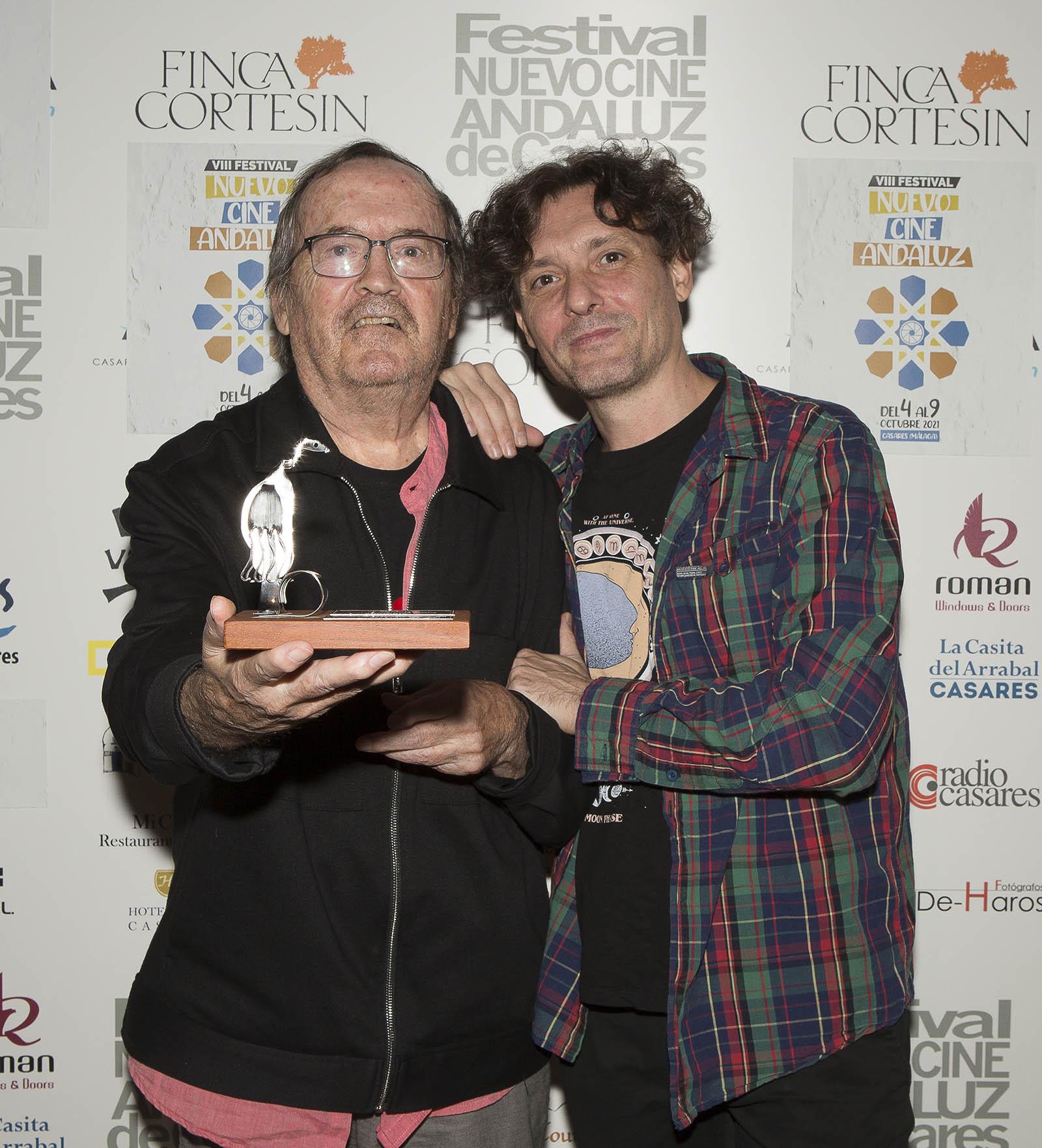 Juan Sebastián Bollaín recibió el premio Cámara Oscura 2021